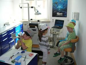 Zahnarzt Dr. R. Stratmann